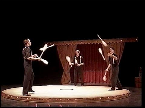 Les Acrostiches - Comme un p'tit air de cirque