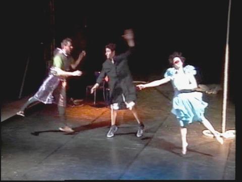 Ellipse : Centre National des Arts du Cirque de Châlons en Champagne - CIRCa 2000