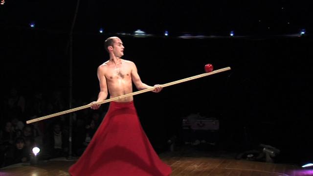Cie La Faux Populaire / Le Mort aux Dents - Le Cirque Précaire